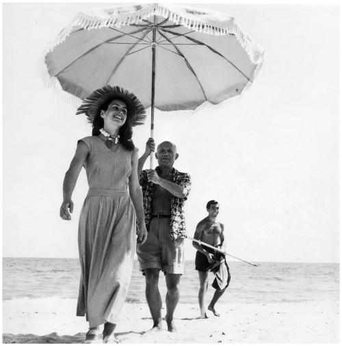 pablo-picasso-francoise-gilot-1951-photo-robert-capa-1010x1024